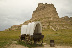 39175102 - covered wagon and rock formation scenic